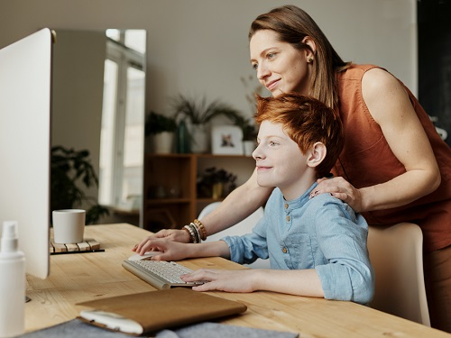 Featured Article – Tips & Tools To Keep Kids Safe Online